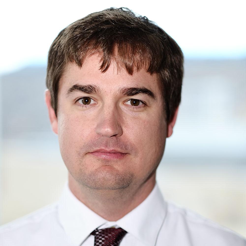Head shot of Dan Lindsey